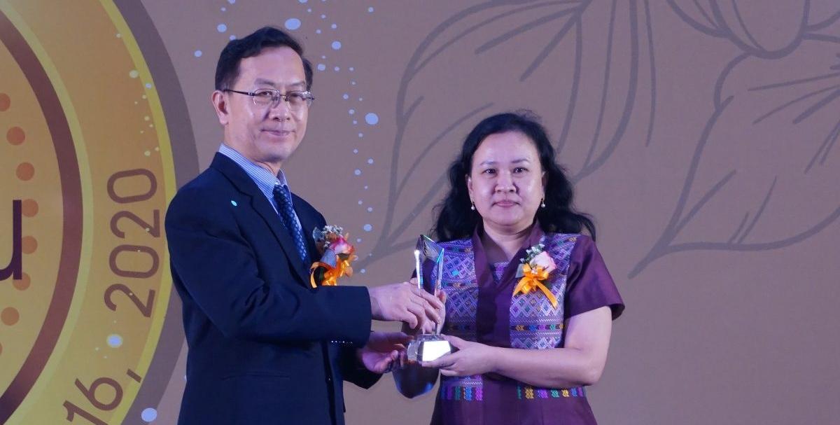 รศ.ดร. นาถธิดา วีระปรียากูร รับรางวัลนักวิจัยระดับเหรียญทอง มหาวิทยาลัยขอนแก่น ประจำปี 2562